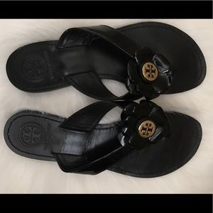 Tory Burch Black Sandals Breely patent lthr
